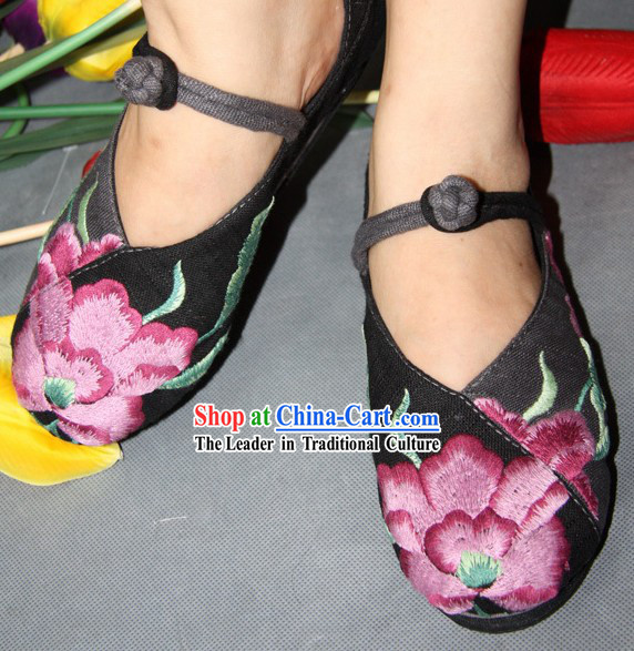 Chinese Classic Black Embroidered Flower Dance Shoes