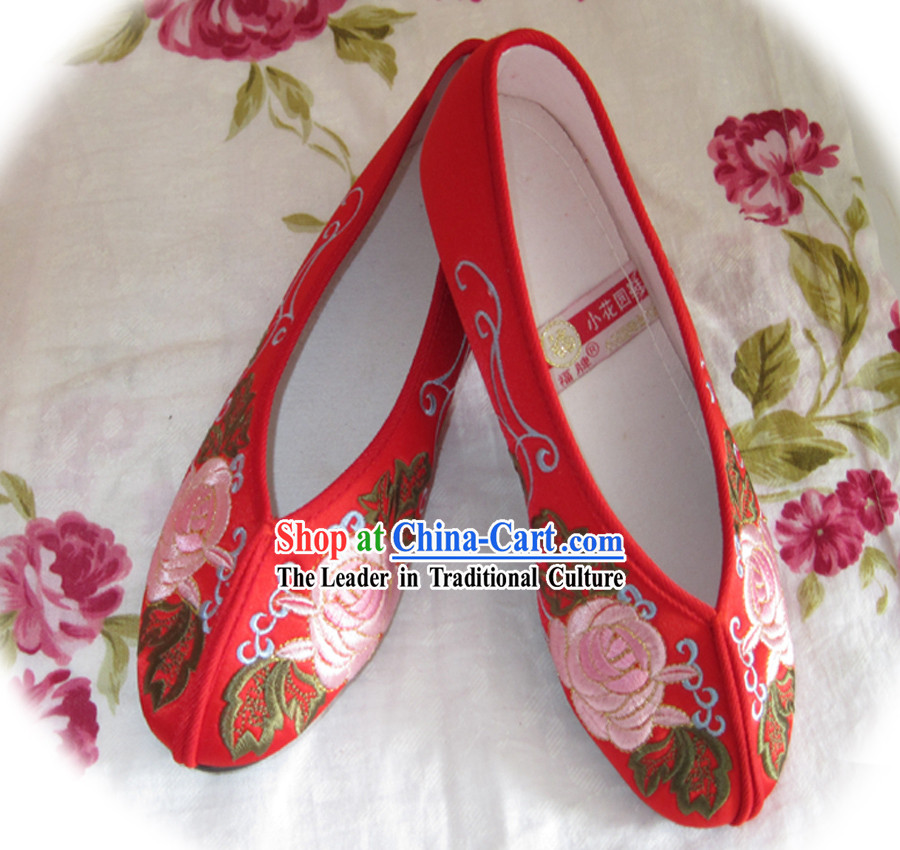 Chinese Red Flower Embroidery Shoes