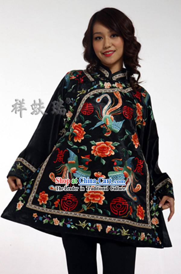 Traditional Chinese Rui Fu Xiang Hand Embroidered Phoenix Garment for Women