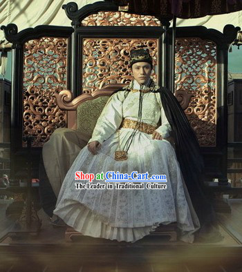 Ancient Chinese Ming Dynasty Official Costumes and Hat for Men