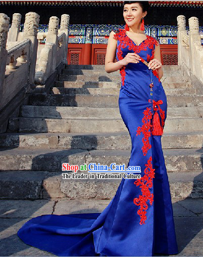 Traditional Chinese Blue Evening Dress with Long Trail