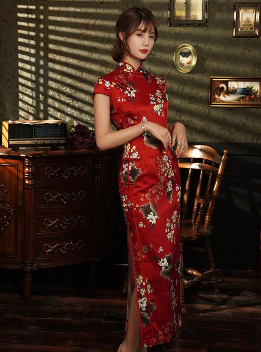 Chinese New Year and Big Ceremony Cheongsam for Women