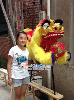 Display or Hanging Use Handmade Lion Dance Costumes Playing Ball Arts and Crafts