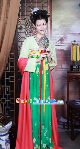 Chinese Tang Dynasty Traditional Dress for Women
