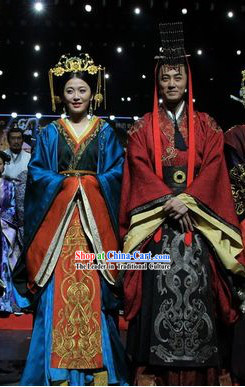 Ancient Chinese Han Dynasty Emperor and Empress Clothes and Hats