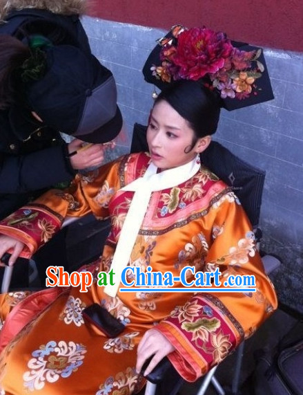 Ancient Chinese Palace Imperial Wife Clothing and Hair Accessories Complete Set