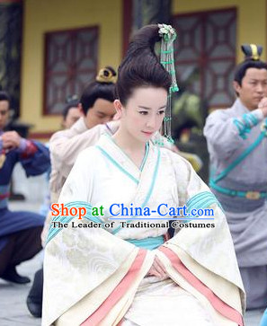Ancient Chinese Palace Beauty Hanfu Clothes and Hair Jewelry
