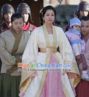 Traditional Korean Ancient Costumes for Women