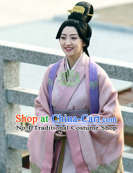 Chinese Ancient Princess Hanfu Clothing and Long Black Wig Complete Set