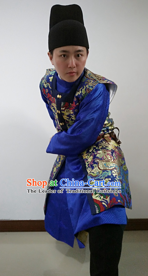 China Ancient Ming Dynasty Official Swordsman Costume and Hat for Men