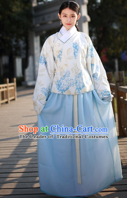 Ancient Chinese Ming Dynasty Beauty Hanfu Costumes and Hair Jewelry Complete Set for Women