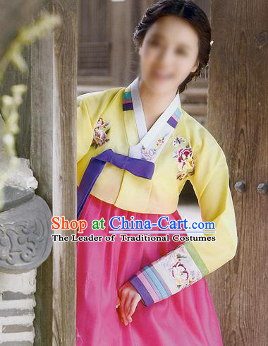 Traditional Korean Costumes Imperial Palace Lady Wedding Yellow Blouse and Pink Dress, Asian Korea Hanbok Court Bride Embroidered Clothing for Women