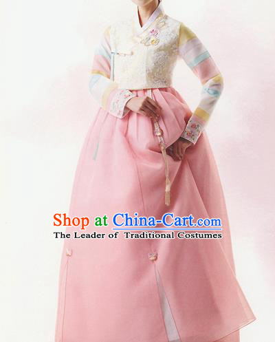 Traditional Korean Costumes Bride Formal Attire Ceremonial Beige Blouse and Full Dress, Korea Hanbok Court Embroidered Clothing for Women
