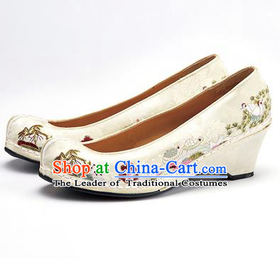 Traditional Korean National Wedding Shoes Embroidered Shoes, Asian Korean Hanbok Embroidery White Bride Court Shoes for Women
