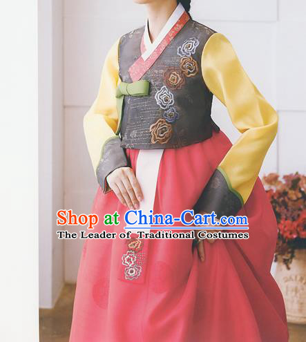 Korean National Handmade Formal Occasions Wedding Bride Clothing Embroidered Grey Blouse and Red Dress Palace Hanbok Costume for Women