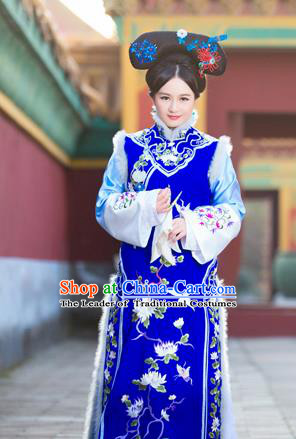 Traditional Ancient Chinese Imperial Concubine Costume, Chinese Qing Dynasty Manchu Lady Fur Dress, Cosplay Chinese Manchu Minority Princess Clothing for Women