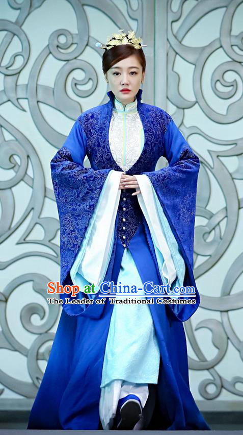 Traditional Ancient Chinese Imperial Empress Costume, Elegant Hanfu Immortal Clothing, Chinese Aristocratic Imperial Consort Embroidered Tailing Clothing for Women
