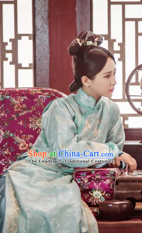Traditional Ancient Chinese Qing Dynasty Palace Lady Costume, Chinese Manchu Mandarin Palace Aristocratic Miss Embroidered Clothing and Handmade Headpiece Complete Set