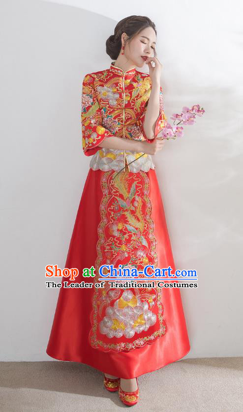 Traditional Ancient Chinese Wedding Costume Embroidery Seven Sleeve Xiuhe Suits, Chinese Style Wedding Dress Red Restoring Longfeng Dragon and Phoenix Flown Bride Toast Cheongsam for Women