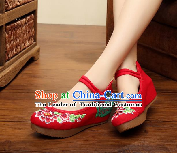 Traditional Chinese National Red Linen Embroidered Shoes, China Princess Shoes Hanfu Embroidery Peony Shoes for Women