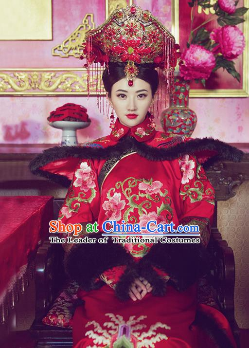 Traditional Chinese Ancient Qing Dynasty Manchu Imperial Empress Embroidered Wedding Clothing for Women
