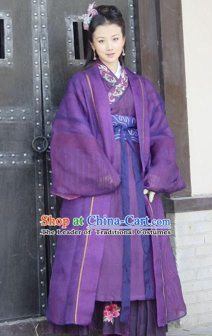 Chinese Ancient Ming Dynasty Princess Embroidered Dress Historical Costume for Women