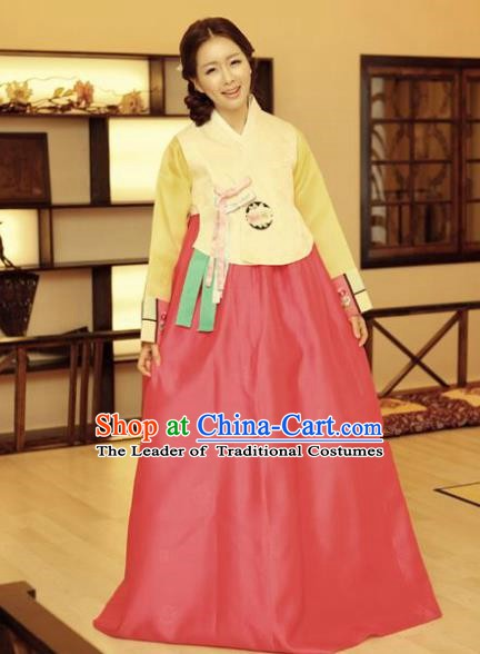 Korean Traditional Hanbok Yellow Blouse and Red Dress Ancient Fashion Apparel Costumes for Women