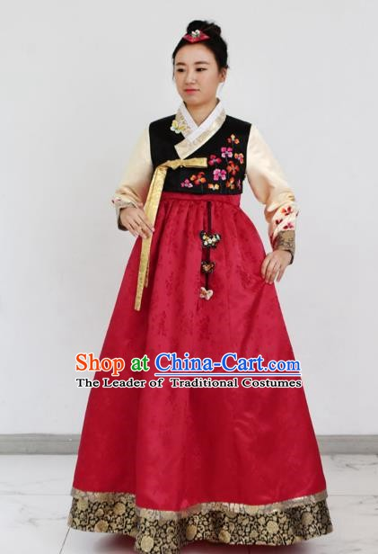 Korean Traditional Bride Hanbok Black Blouse and Red Embroidered Dress Ancient Formal Occasions Fashion Apparel Costumes for Women
