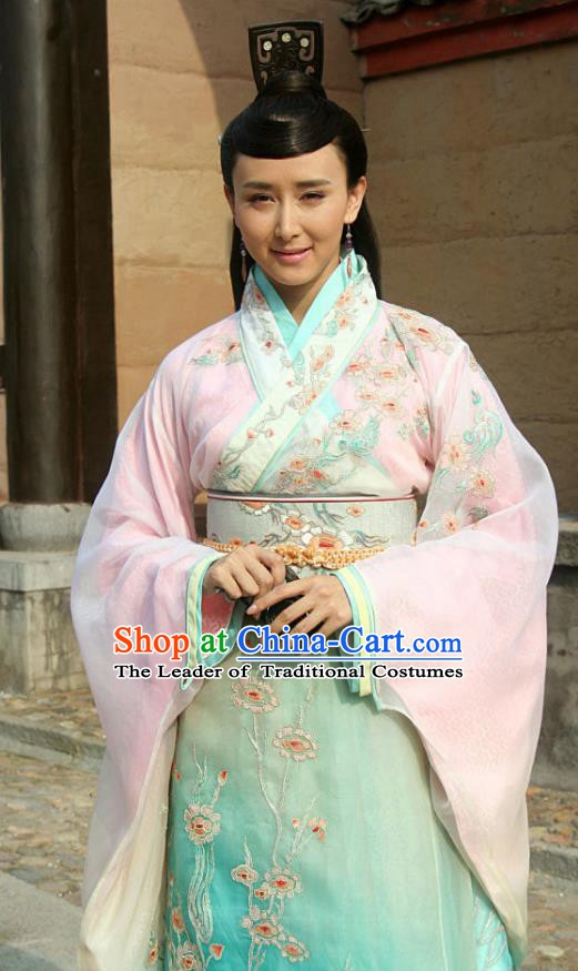 Traditional Chinese Ancient Spring and Autumn Period Qi State Imperial Consort Embroidered Replica Costume for Women