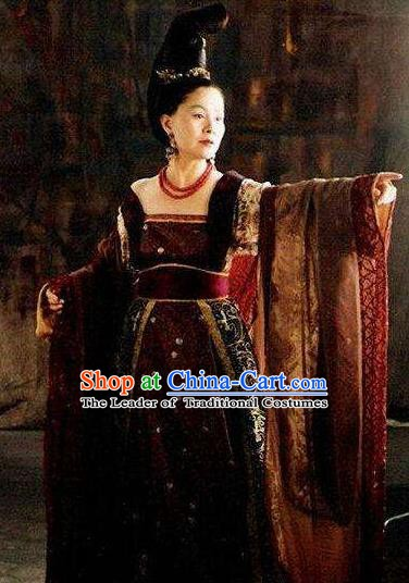 Chinese Ancient Tang Dynasty Queen Wu Zetian Embroidered Replica Costume for Women