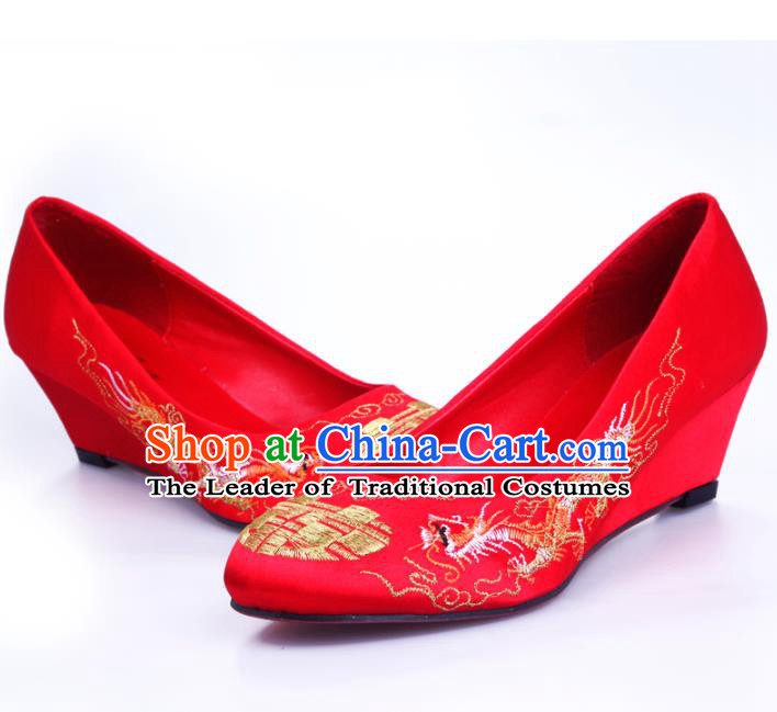 Chinese Traditional Handmade Wedding Embroidered Shoes Bride Red Wedge-heeled Shoes for Women