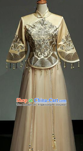 Chinese Traditional Wedding Yellow Xiuhe Suit Ancient Longfeng Flown Bride Embroidered Cheongsam Dress for Women
