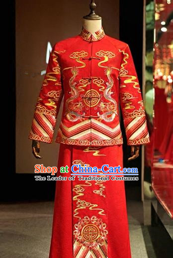 Chinese Traditional Wedding Xiuhe Suit Costume Ancient Bridegroom Tang Suit Embroidered Red Clothing for Men