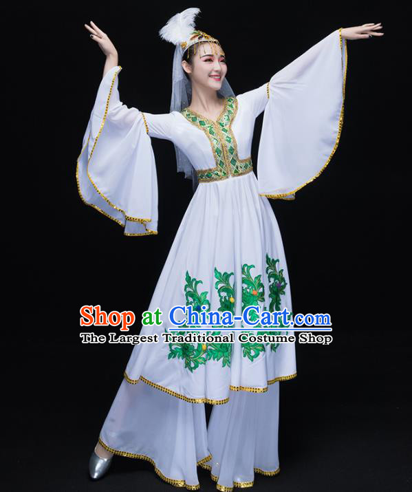 Chinese Traditional Uigurian Folk Dance White Clothing Uyghur Nationality Classical Dance Costume for Women