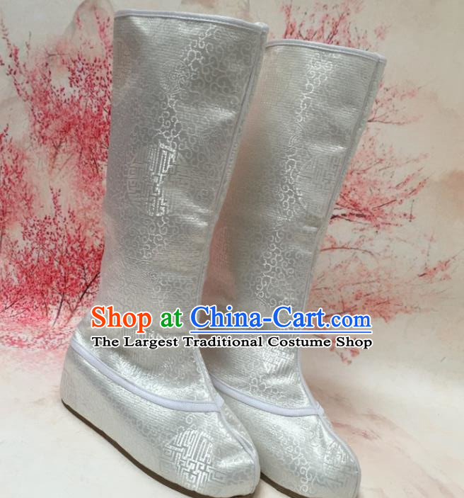 Chinese Traditional Shoes Ancient Emperor Beijing Opera White Boots Hanfu Satin Boots for Men