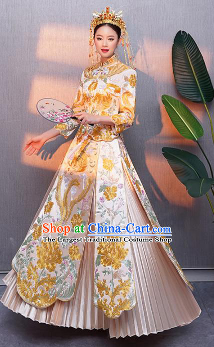 Chinese Traditional Bride Xiuhe Suits Ancient Handmade Embroidered Golden Peony Wedding Costumes for Women