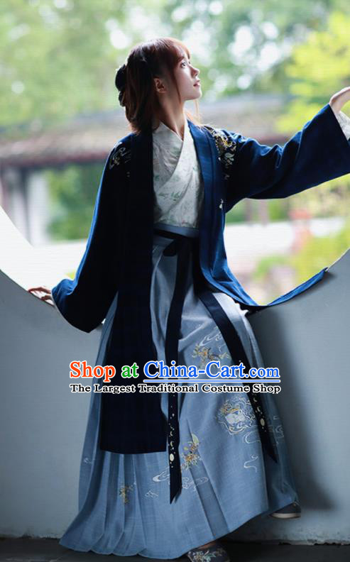 Traditional Chinese Song Dynasty Winter Historical Costumes Ancient Nobility Lady Hanfu Dress for Women