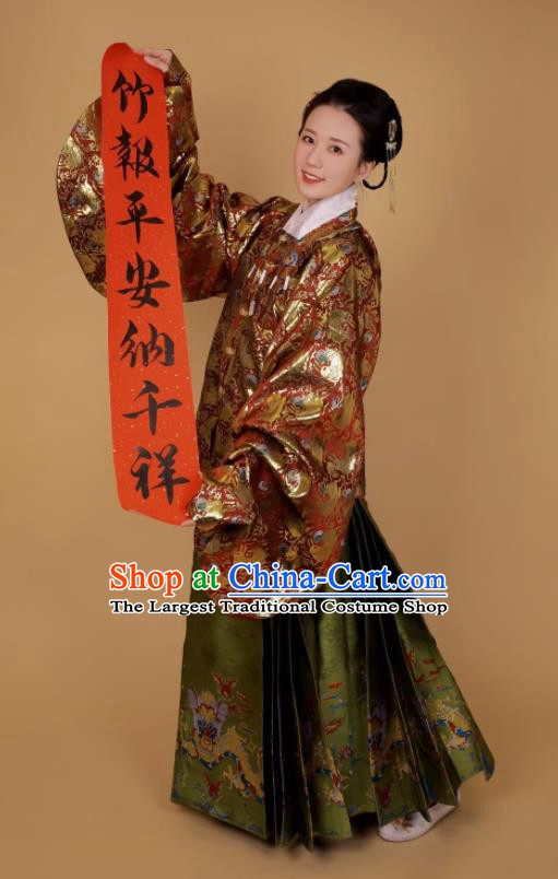 Traditional Chinese Ancient Ming Dynasty Dowager Historical Costume Blouse and Horse Face Skirt Complete Set