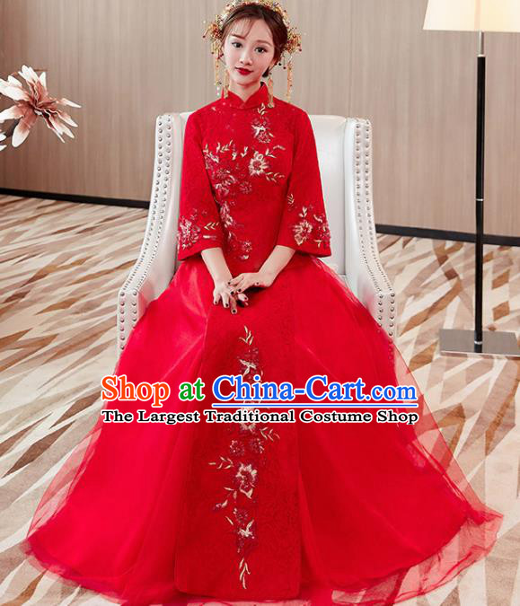 Chinese Traditional Bride Costume Xiuhe Suit Ancient Wedding Embroidered Red Veil Dress for Women