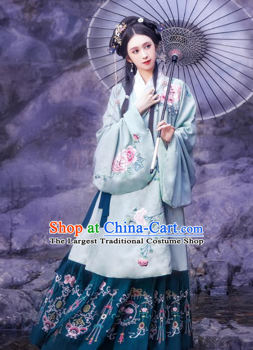 Traditional Chinese Ming Dynasty Historical Costume Ancient Princess Embroidered Hanfu Dress for Women