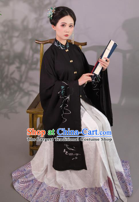 Chinese Ancient Nobility Lady Embroidered Hanfu Dress Ming Dynasty Princess Historical Costume for Women