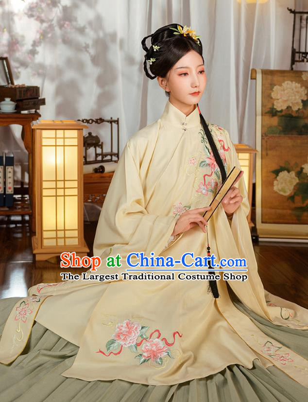Ancient China Ming Dynasty Noble Female Costumes Traditional Hanfu Apparels Embroidered Clothing for Patrician Women