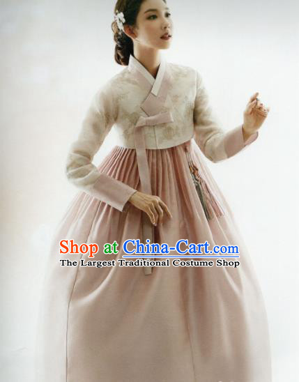 Korean Traditional Hanbok Bride Beige Blouse and Pink Dress Outfits Asian Korea Wedding Fashion Costume for Women