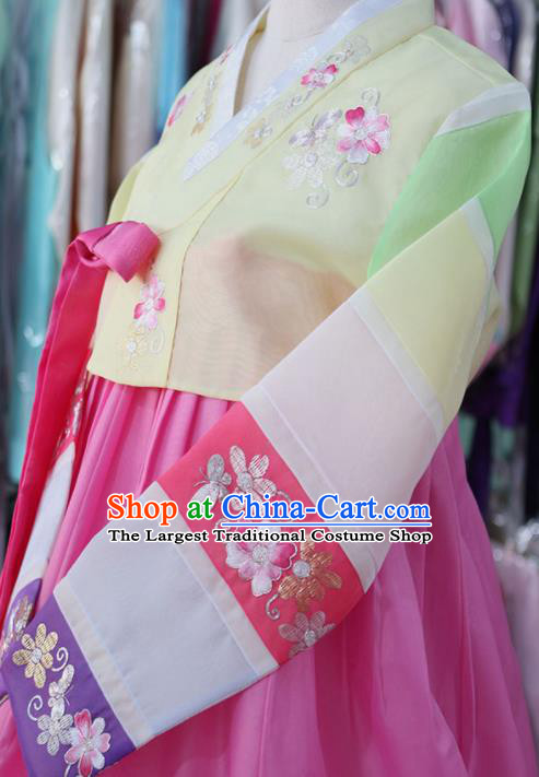 Korean Traditional Garment Bride Mother Hanbok Embroidered Yellow Blouse and Pink Dress Outfits Asian Korea Fashion Costume for Women