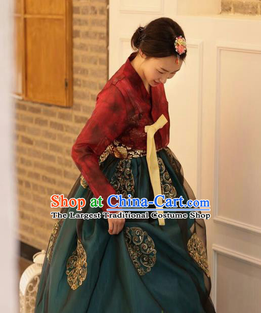 Korean Traditional Bride Hanbok Purplish Red Blouse and Green Dress Garment Asian Korea Fashion Costume for Women