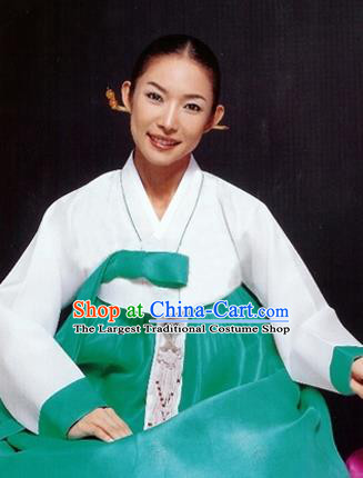Korean Traditional Bride Mother Hanbok White Blouse and Green Dress Garment Asian Korea Fashion Costume for Women