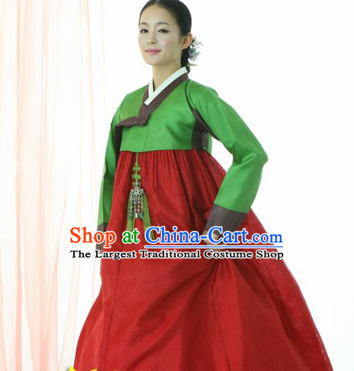 Korean Traditional Court Hanbok Green Satin Blouse and Red Dress Garment Asian Korea Fashion Costume for Women