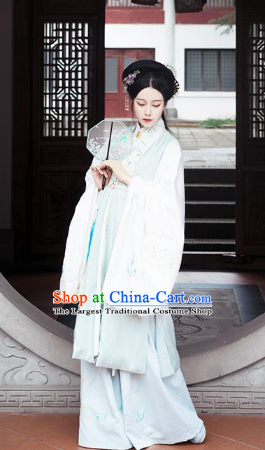 Chinese Traditional Ming Dynasty Embroidered Green Long Vest Ancient Court Princess Historical Costume for Women
