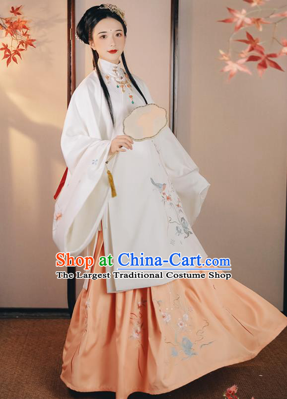 China Traditional Hanfu Dress Ming Dynasty Young Beauty Historical Clothing Ancient Noble Lady Costume