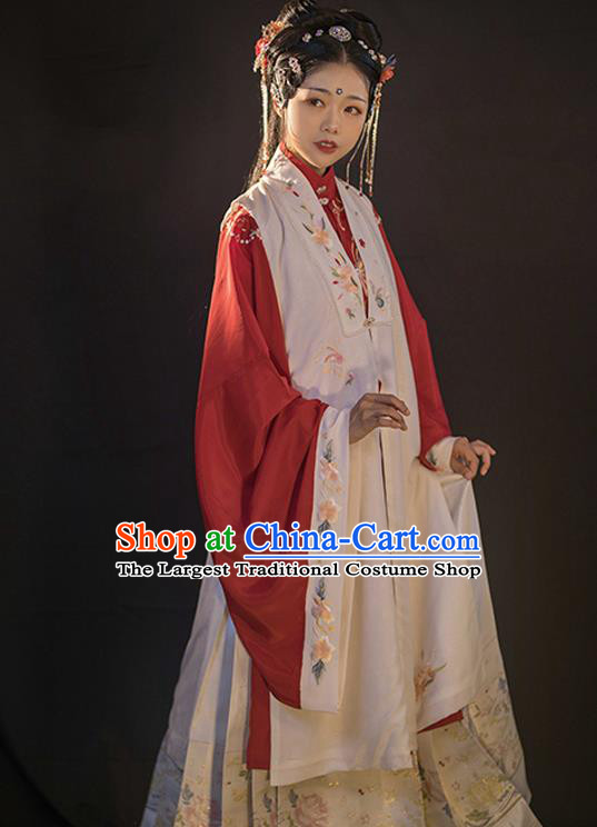 Traditional China Ancient Royal Princess Hanfu Clothing Ming Dynasty Historical Costumes for Patrician Lady